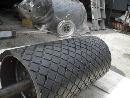 Футеровочная пластина КВ для футеровки (обрезинивания) барабанов механическим способом.